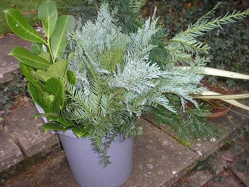 Foliage bucket