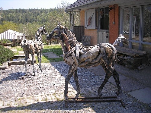 Two foals greeted us when we arrived at the house and garden. One is made from wood and the other from bronze.