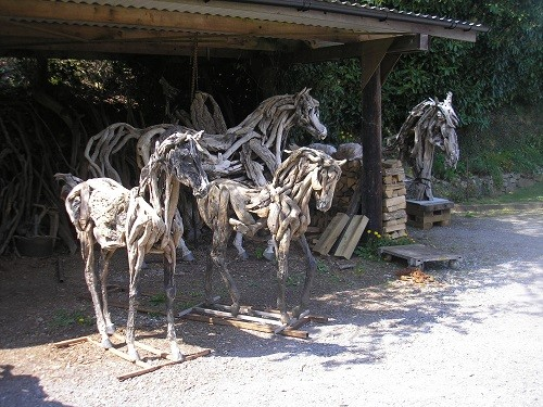 They are all so realistic, Heather has been around horses for a long time as she has captured all their little nuances, a flick of a tail or mane, the tossing of heads and prancing legs.